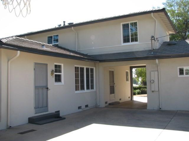 91 E Orange Grove Ave, Sierra Madre, CA 91024 - 4 beds/3 baths