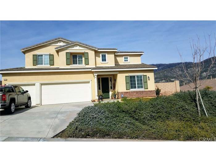 5411 Pinnacle Ln N, San Bernardino, CA 92407 - 5 beds/3 baths