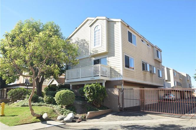 22003 Belshire Ave #5, Hawaiian Gardens, CA 90716