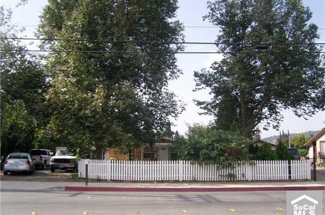 1484 W ORANGE GROVE Ave Pomona CA 91768