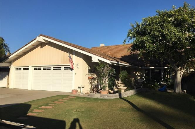 21042 Shackleford Cir, Huntington Beach, CA 92646