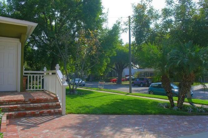 822 N Beachwood Dr, Burbank, CA 91506 | MLS# BB12136494 | Redfin