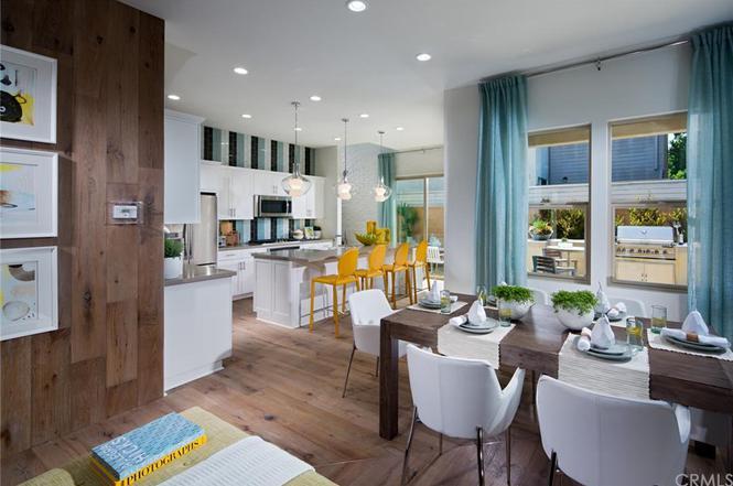 3047 Paragon Costa Mesa Ca 92626Costa Mesa Dining Room Set   vaca costa mesa ca  hilton orange  . Costa Mesa Dining Room Set. Home Design Ideas