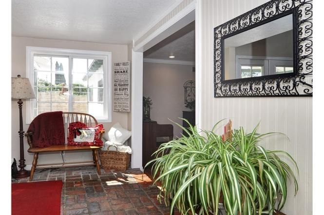 1361 Garland Ave, Tustin, CA 92780 - 3 beds/2 baths