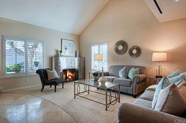 9871 Bond Cir, Huntington Beach, CA 92646 - 4 beds/2 baths