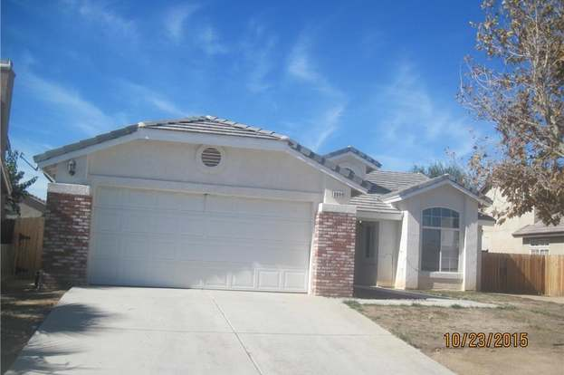 8944 Concord Ct, Hesperia, CA 92344 - 4 beds/2 baths