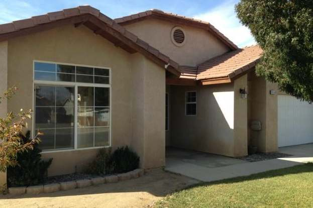 8956 Glenwood Ave, Hesperia, CA 92344 - 4 beds/3 baths