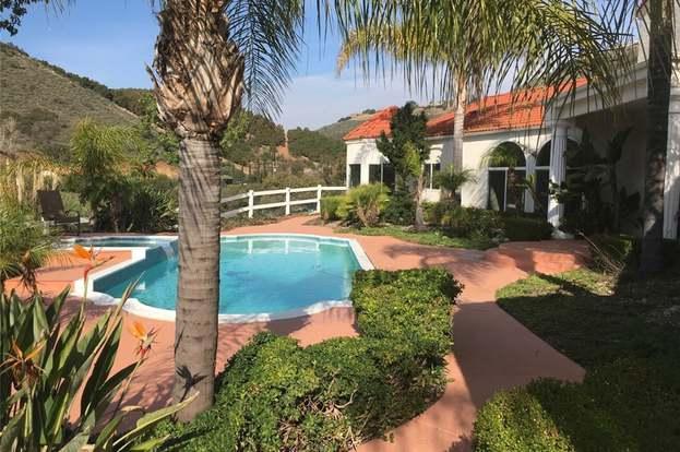 44240 La Cruz Dr, Temecula, CA 92590 - 3 beds/3 25 baths