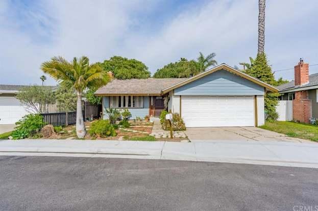 208 Susannah Pl, Costa Mesa, CA 92627 - 4 beds/2 baths