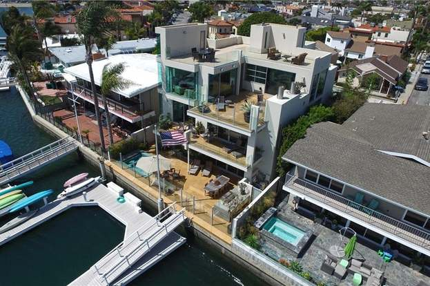 5490 E The Toledo, Long Beach, CA 90803 - 4 beds/4 25 baths