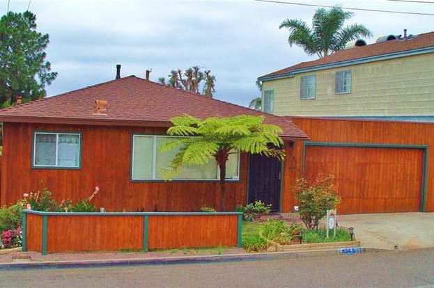 1845 Hillcrest Dr, Hermosa Beach, CA 90254 - 4 beds/2 baths