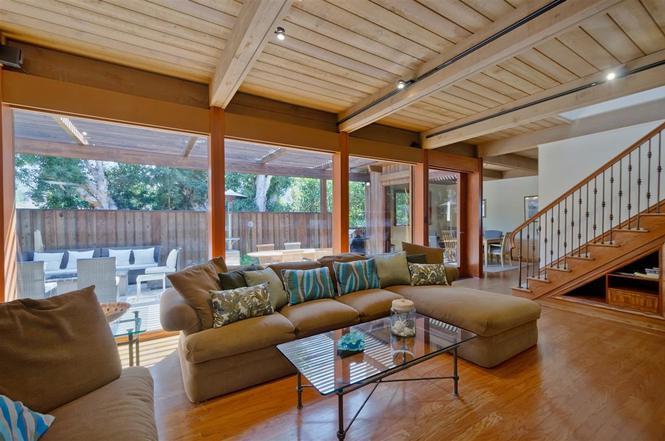 La Jolla Shrs La Jolla CA  MLS  Redfin - The living room la jolla