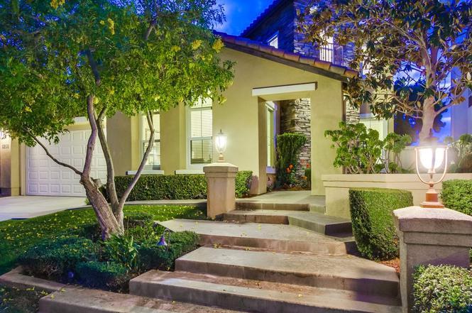 8218 Torrey Gardens Pl, San Diego, CA 92129