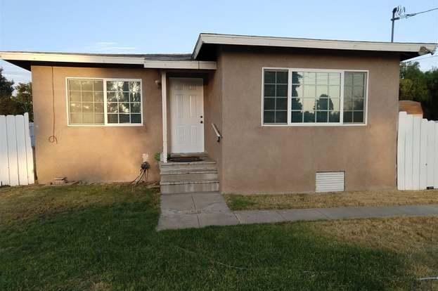 725 Rex Hall St, El Cajon, CA 92021 - 4 beds/2 baths