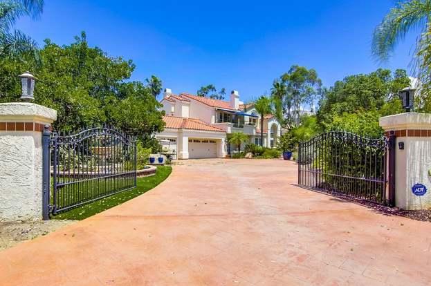 15392 Broad Oaks Rd, El Cajon, CA 92021