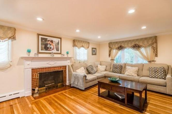 35 barry st quincy ma 02169 mls 72106362 redfin for Kitchen cabinets quincy ma