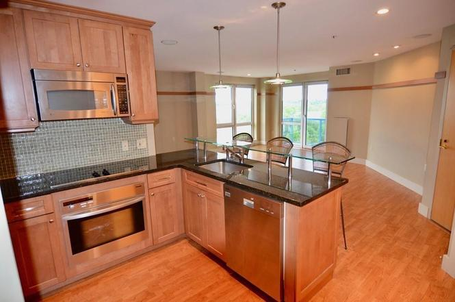 Lovely 2001 Marina Dr #517, Quincy, MA 02171