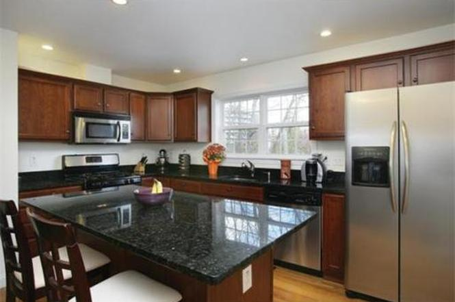 Kitchen Cabinets Quincy Ma 184 washington st #14, quincy, ma 02169 | mls# 71453680 | redfin