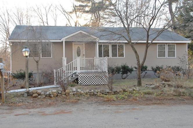 38 fairview ave wilmington ma 01887 mls 71939694 redfin for Exterior painting wilmington ma