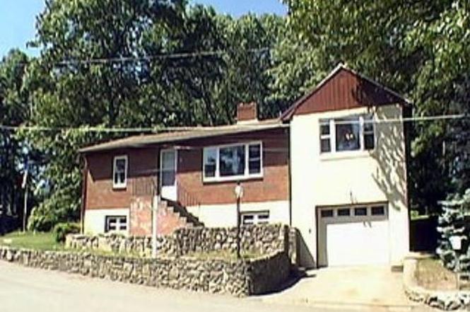 8 Villa Dr Hopedale MA 01747