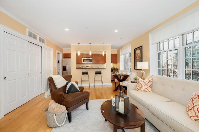 1 RUSSELL St #102, Cambridge, MA 02140