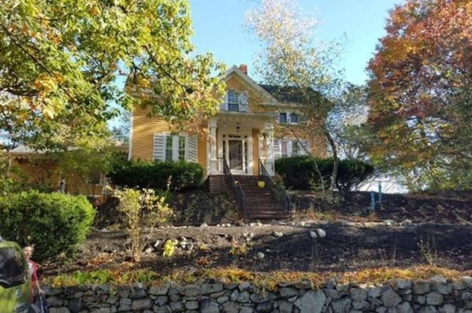Wonderful 39 Poplar St, Melrose, MA 02176