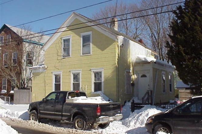 Surprising 392 Cottage St New Bedford Ma 02740 4 Beds 1 5 Baths Home Interior And Landscaping Ponolsignezvosmurscom
