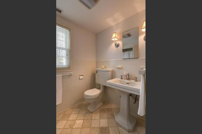Bathroom Fixtures Worcester Ma 130 flagg st, worcester, ma 01609 | mls# 72134956 | redfin