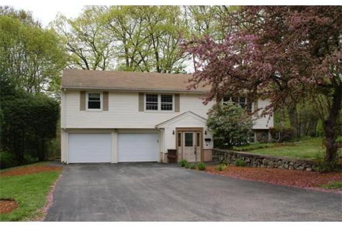 72 Angelica Dr Framingham Ma 01701 Mls 71227966 Redfin