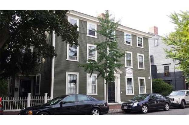 118 Federal St #1, Salem, MA 01970 - 1 bed/1 bath