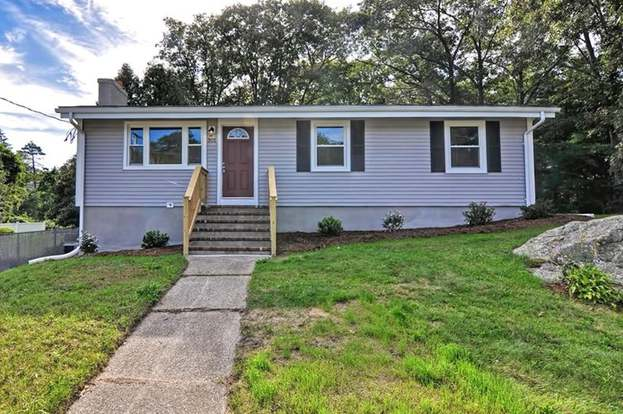 301 Oak St Randolph Ma 02368 Mls 72399076 Redfin