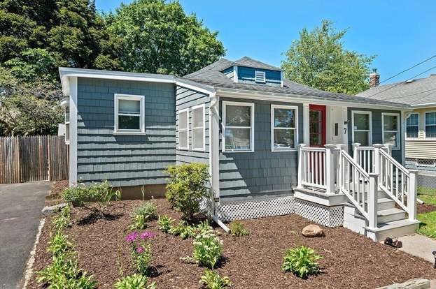 7 Utica St Quincy Ma 02169 Mls 72704165 Redfin