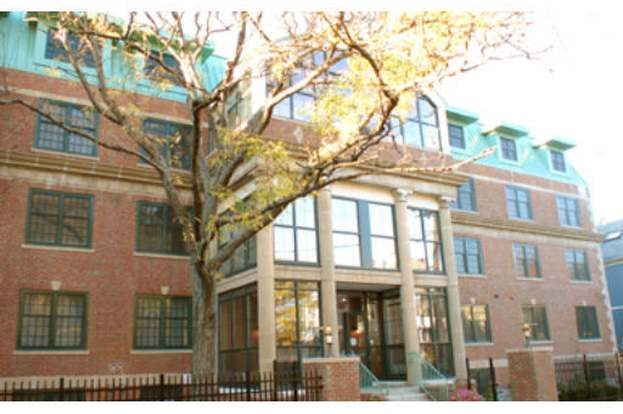 1 Russell 104 Cambridge Ma 02140 2 Beds 2 5 Baths