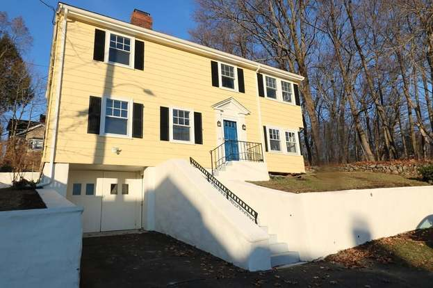 34 Benjamin Rd, Arlington, MA 02476 - 3 beds/1 5 baths