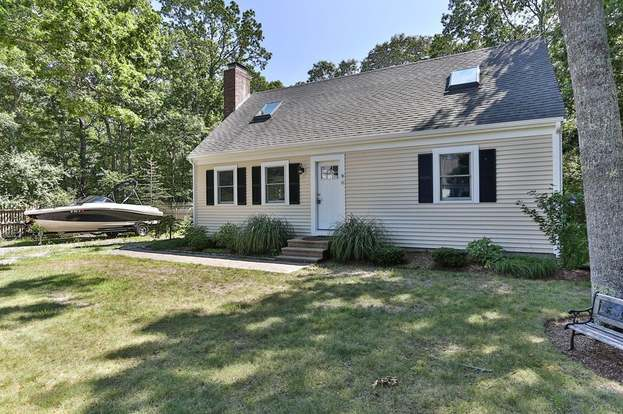 40 Pinecrest Ave Mashpee Ma 02649 Mls 72210828 Redfin