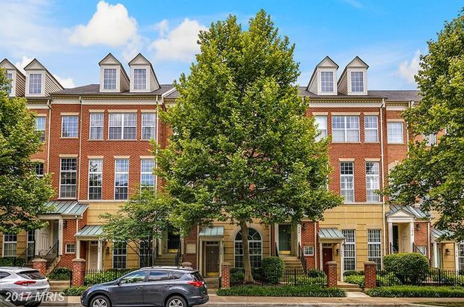 1926 Crescent Park Dr Unit 30A, Reston, VA 20190