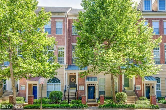 1968 Crescent Park Dr Unit 19B, Reston, VA 20190