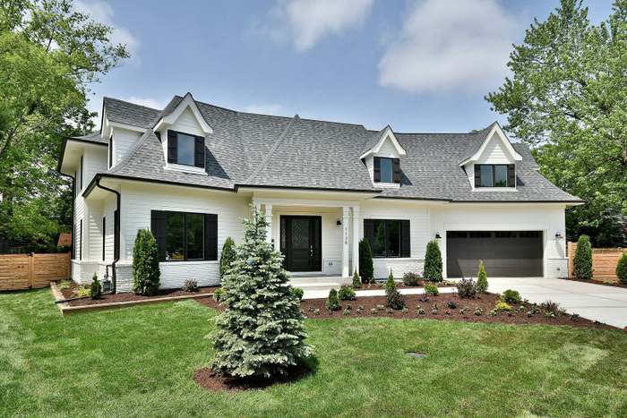 1138 Pfingsten Rd, GLENVIEW, IL 60025 - 5 beds/5.5 baths on
