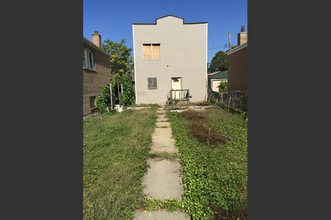 3306 W 38th St Chicago, IL 60632