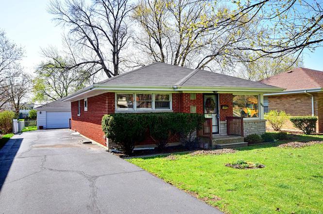 944 S Hillcrest Ave Elmhurst IL