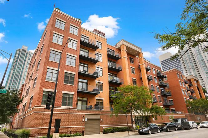 Superior 560 W Fulton St #404, CHICAGO, IL 60661