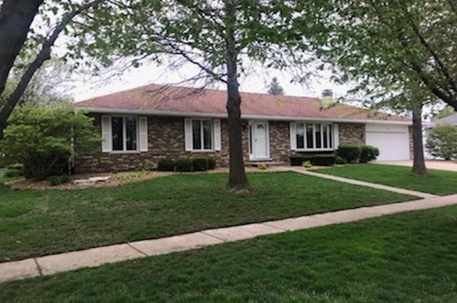 New Lenox Illinois >> 1109 Grandview Dr New Lenox Il 60451 3 Beds 2 5 Baths