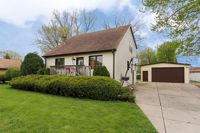 9703 W Ivanhoe Ave Schiller Park Il 60176 Mls 09215753 Redfin 18 Pretty Chinese Kitchen