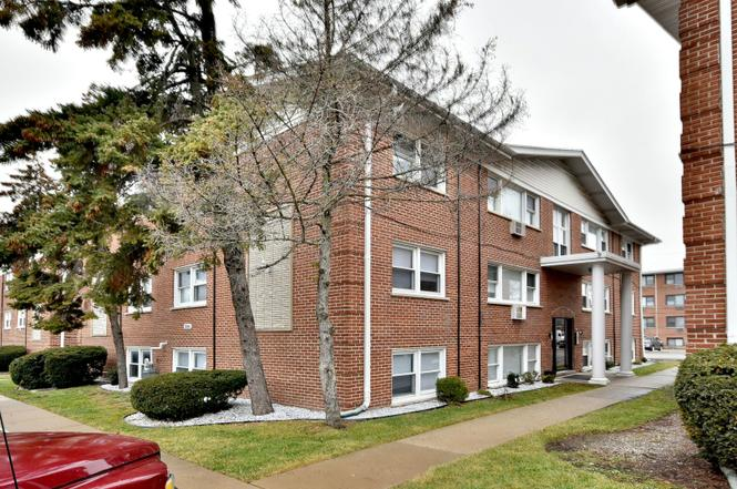10146 HARTFORD Ct Unit 1A, Schiller Park, IL 60176 | MLS ...