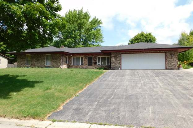 620 Bellwood Dr Belvidere Il 61008 Mls 10671051 Redfin