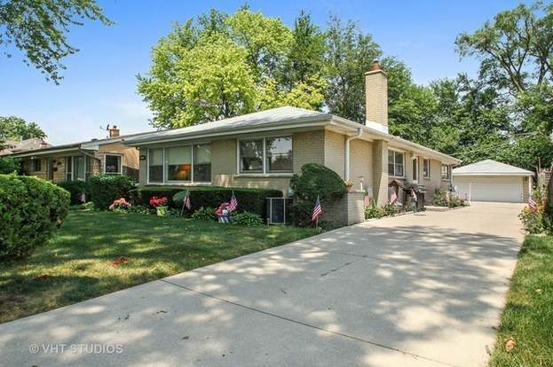 They Helped Make History At 1709 Monroe >> 5904 Monroe St Morton Grove Il 60053 Mls 10339561 Redfin