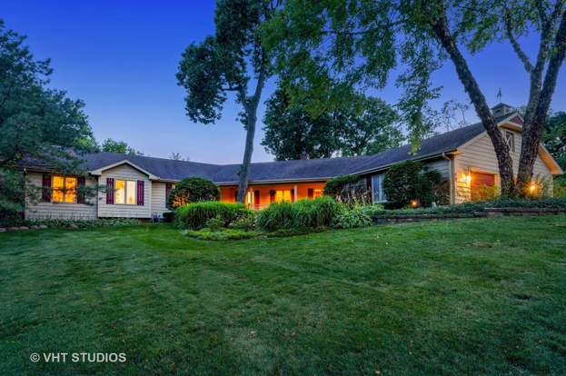 12 Hickory Rd Hawthorn Woods Il 60047 Mls 10502631 Redfin