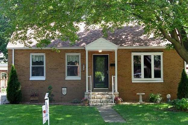 613 Boys St Streator Il 61364 Mls 07694652 Redfin