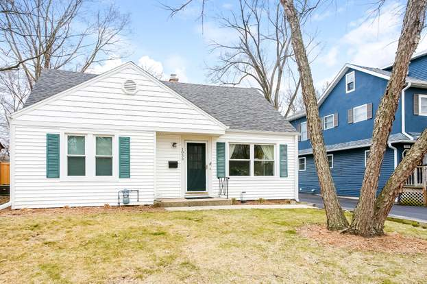 1055 Forest Ave, DEERFIELD, IL 60015 - 4 beds/2 baths