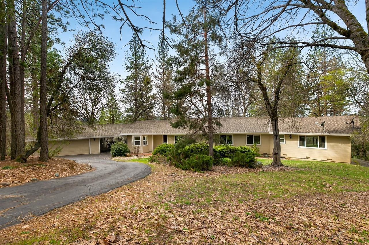 4021 Nugget Ln Placerville Ca 95667 Mls 19018330 Redfin